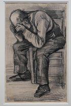 16日、オランダ・アムステルダムのゴッホ美術館で展示されるゴッホのスケッチ画(AP=共同)