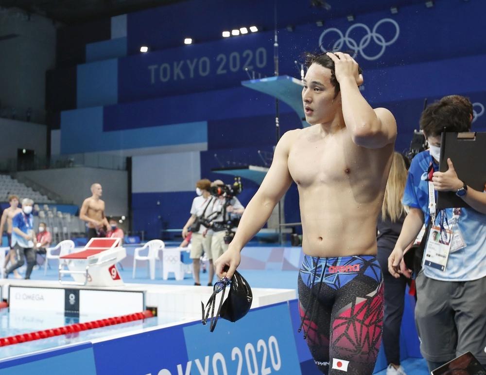 男子400㍍個人メドレー予選のレースを終え、引き揚げる瀬戸大也。決勝進出を逃した=東京アクアティクスセンター