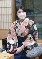 初代「白玲」の座に就いた西山朋佳女流四冠=16日午後、奈良市(日本将棋連盟提供)