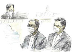 判決理由を聞く特定危険指定暴力団工藤会トップの野村悟被告(中央)とナンバー2の会長田上不美夫被告(右)