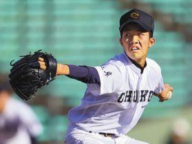 大垣日大−中京 3番手で登板し力投する中京の瀬戸投手=長良川球場で