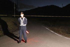 女性の遺体が発見された現場付近=26日午後、兵庫県加西市