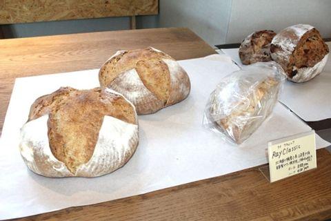三条産のライ麦使ったパン カフェレストランが販売 栽培拡大願う