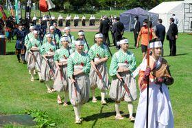 幕末に焦点を当てた編成で行われた藩公行列の出陣式