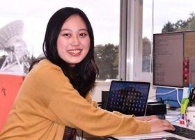 水沢VLBI観測所でブラックホールの研究に励む高村美恵子さん