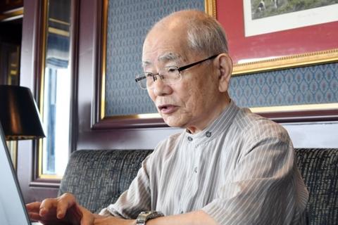 60年近く被爆者の診療に携わっている鎌田七男さん。「核兵器の非人道性は78人の生涯が物語っている」と話す=1日、広島市