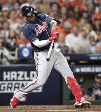 アストロズ戦の1回、先頭打者本塁打を放つブレーブスのソレア=ヒューストン(AP=共同)