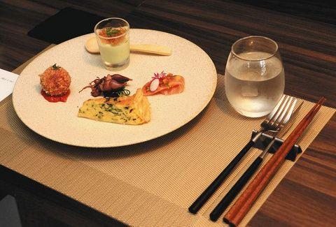箸で食べられるフレンチを 脱サラシェフが腕ふるうレストラン